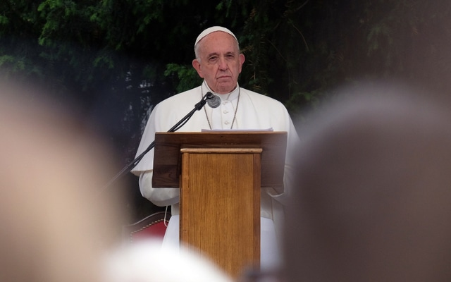 Pope Francis arrives for 4-day visit to Slovakia, will meet Holocaust survivors