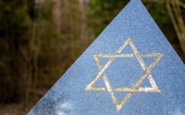 Lockdown results in slight decrease in antisemitic incidents in the UK